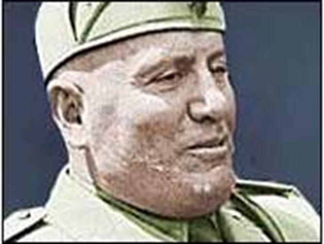Mussolini'yi vuran silah bulundu